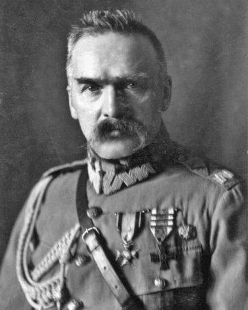 Źródło: pl.wikipedia.org/wiki/Józef_Piłsudski